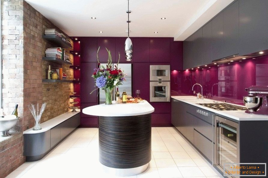 Kitchen with bright lilac inserts