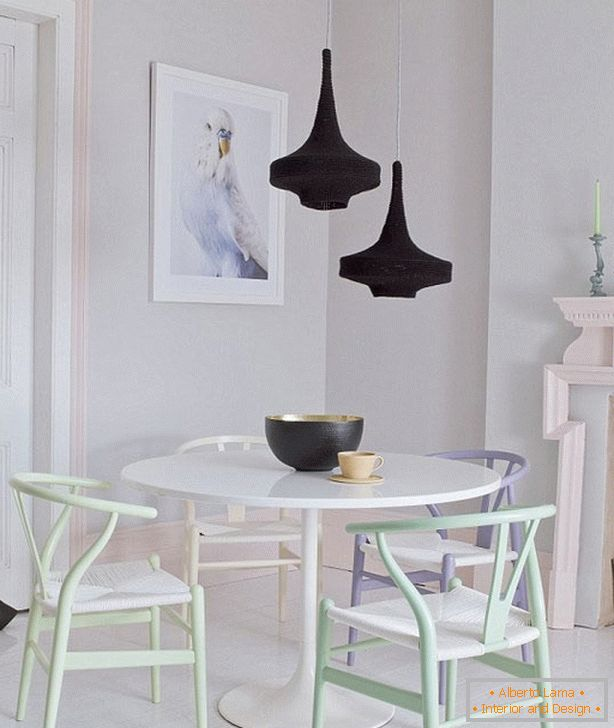 The use of pastels in the interior of a vintage dining room