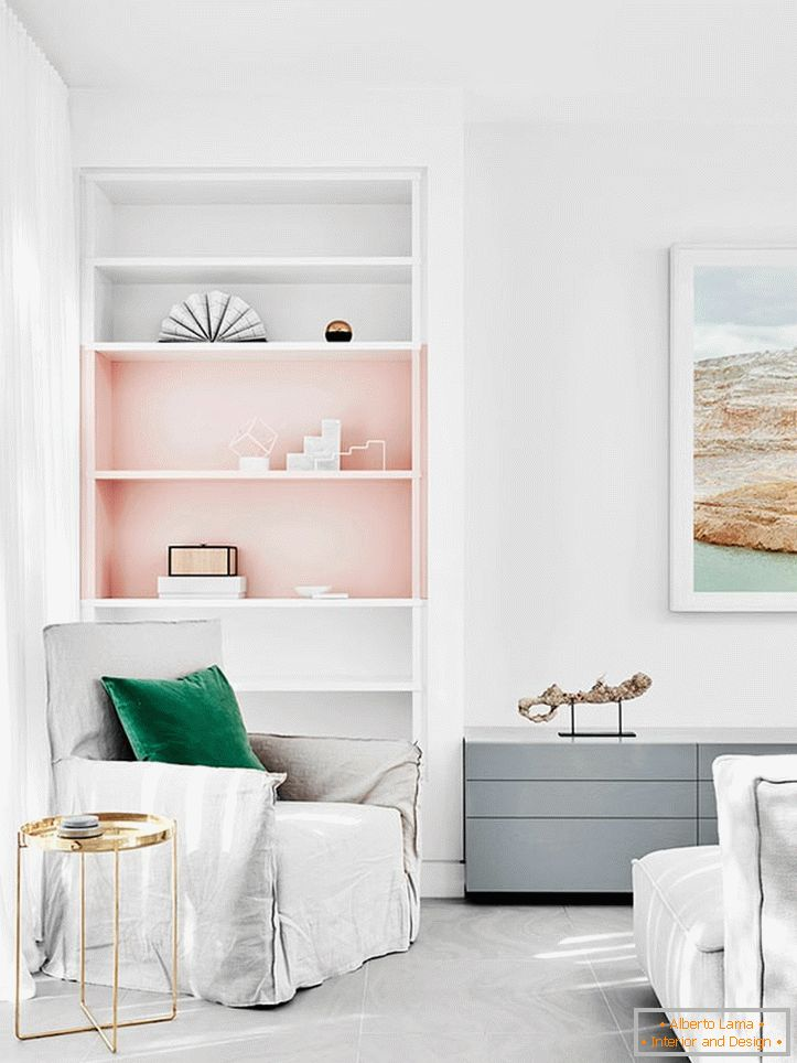 Pastel-white tones in combination with pink in the interior of the bedroom