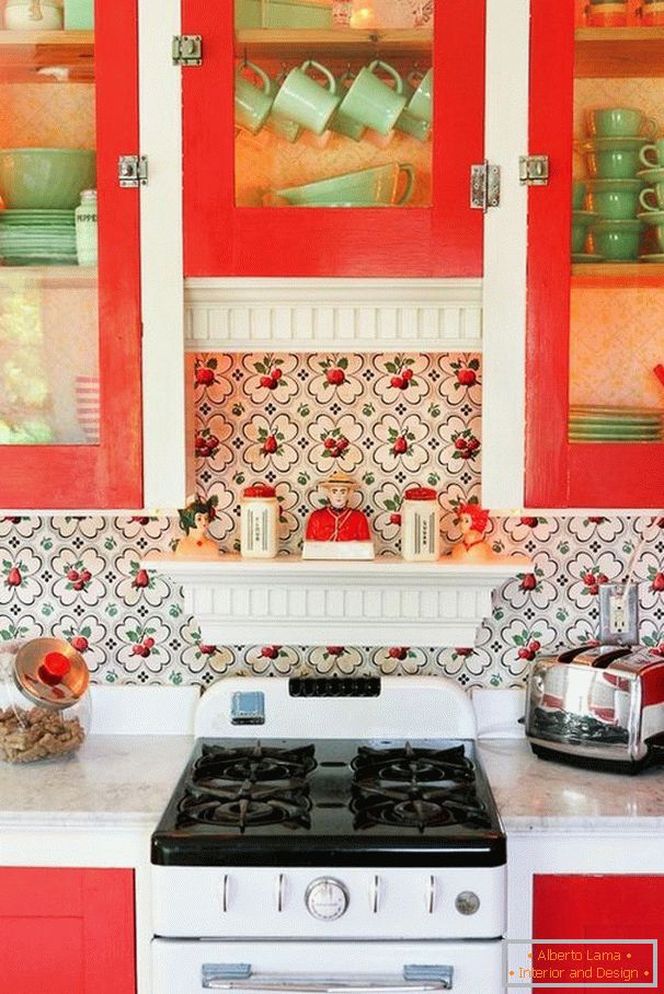 Bright accents in the design of the kitchen