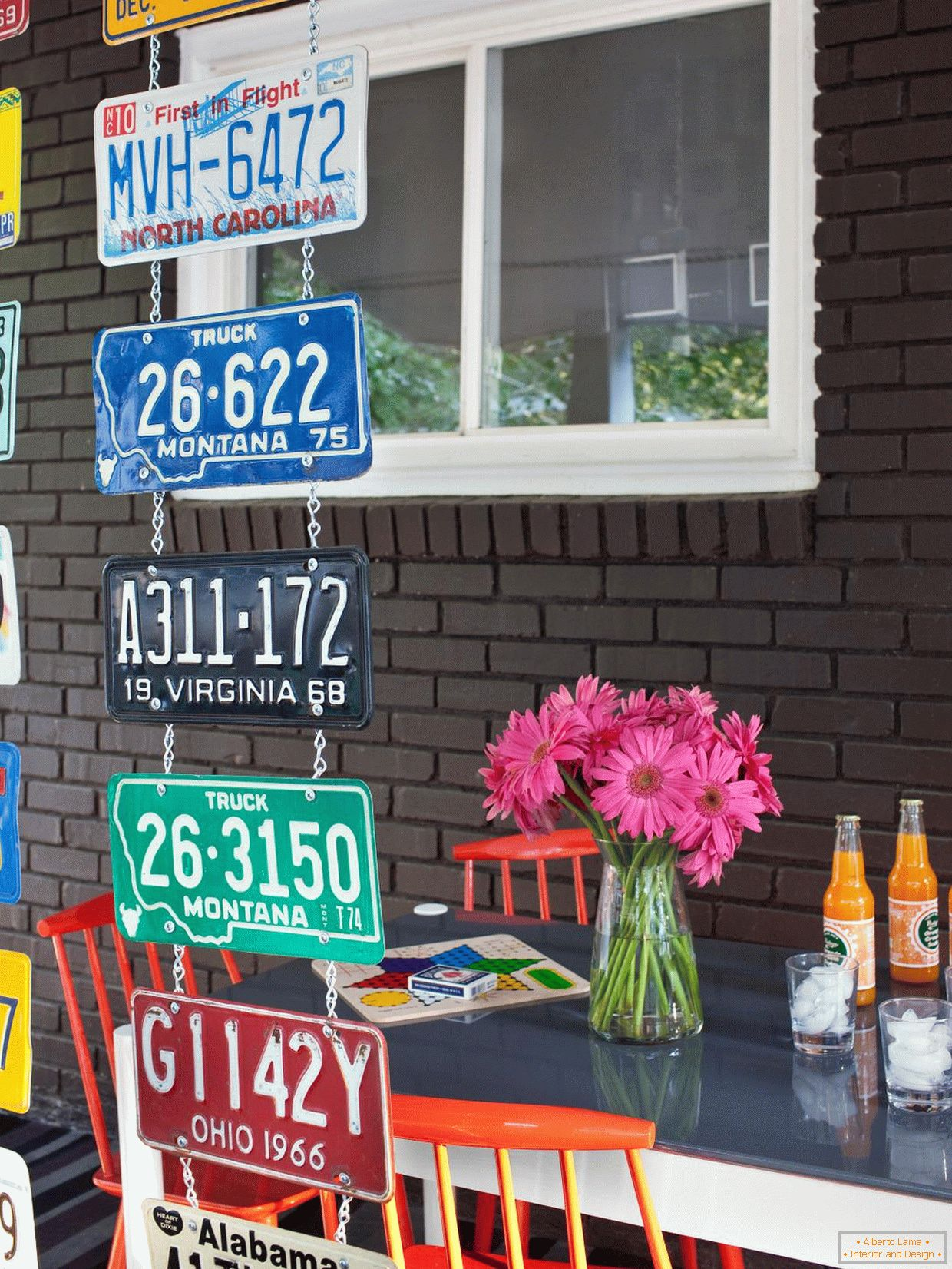 Vertical partition of old license plates