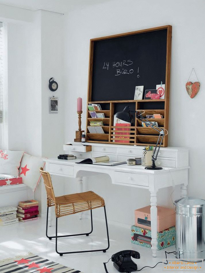 Again Scandinavian style in home office design