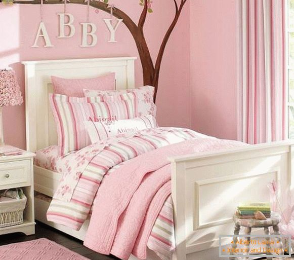 Romantic decoration for children in pink