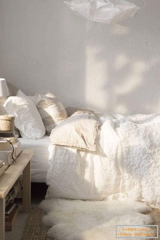 Bedroom decoration in light colors