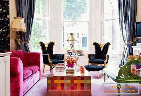 Bright accents in the design of the living room