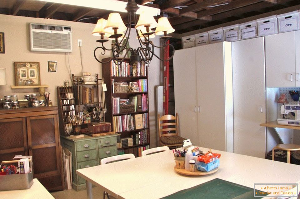 Dining room and workshop in the garage