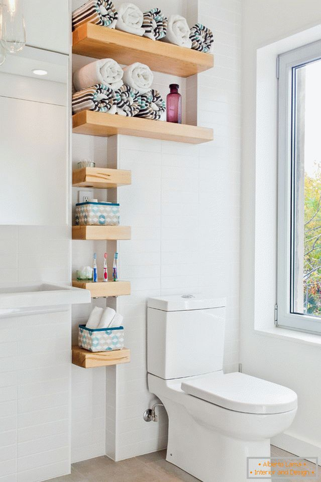 Shelves for bathroom accessories in the bathroom