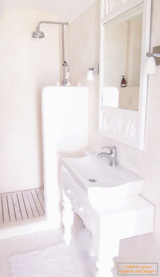 Combined bathroom in white color