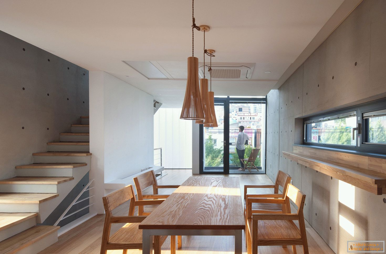 Architecture in a small square: the interior of the dining room