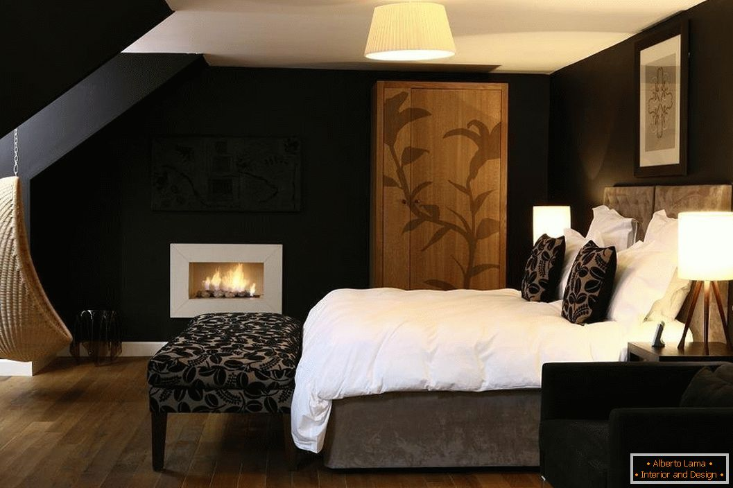 Black walls in the bedroom