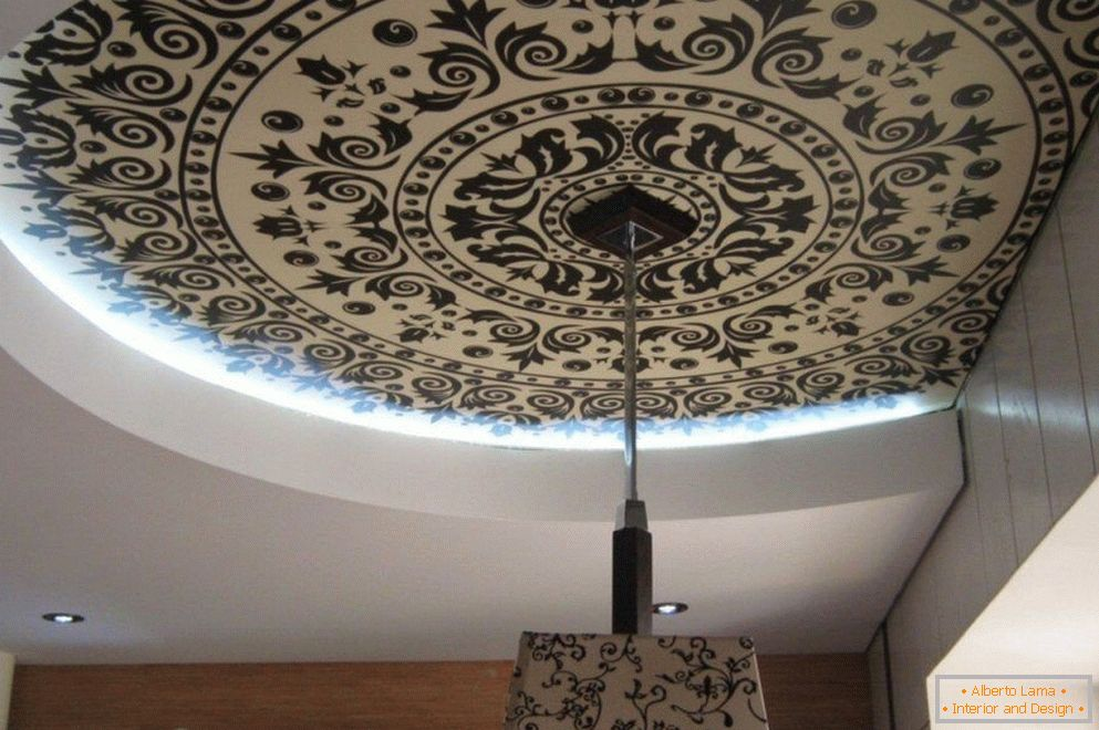 The easiest method of decoupage of the ceiling after painting