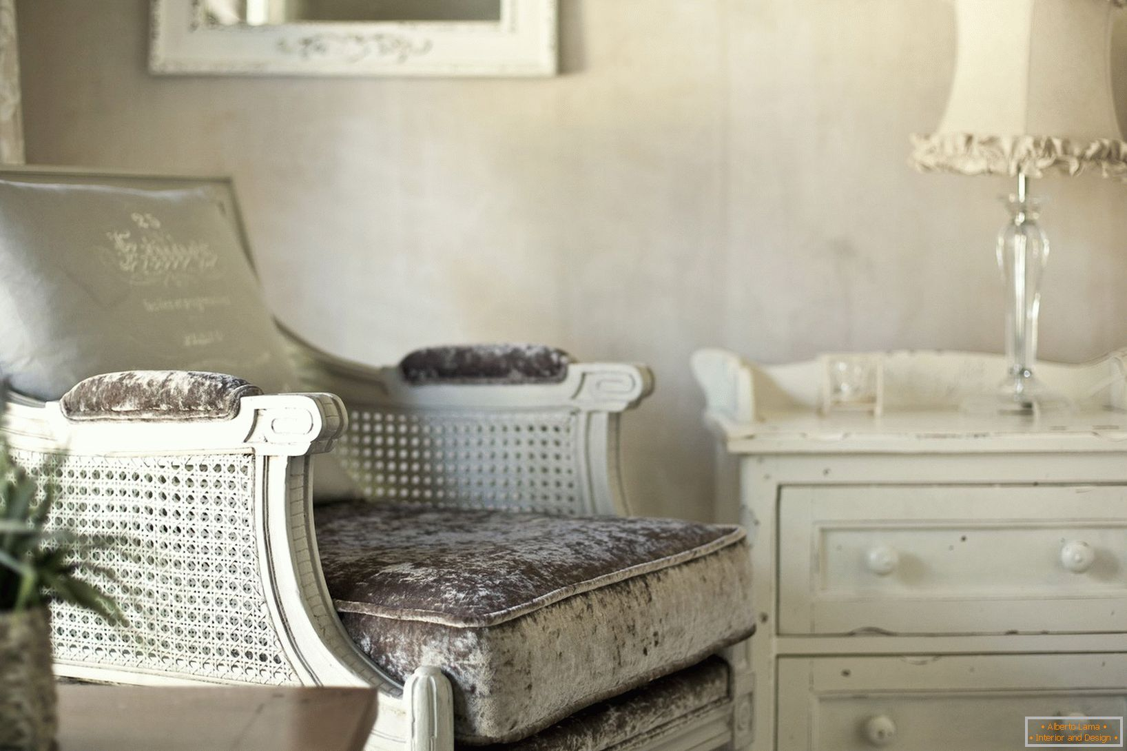 Decor in the style of Provence with your own hands