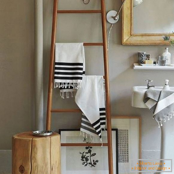 Bathroom decoration - towel hanger from the stairs