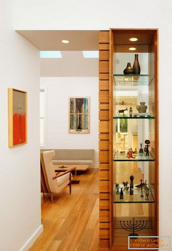 Decorative shelving from glass shelves