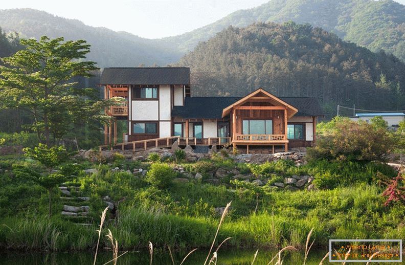 Country wooden house in Korea
