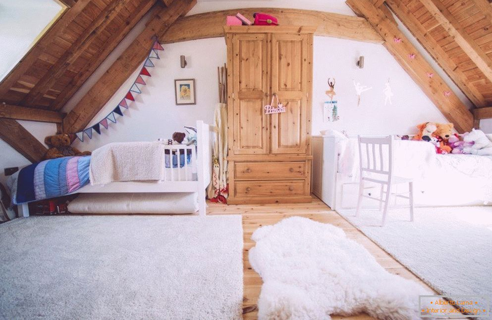 Style chalet in the nursery in the attic