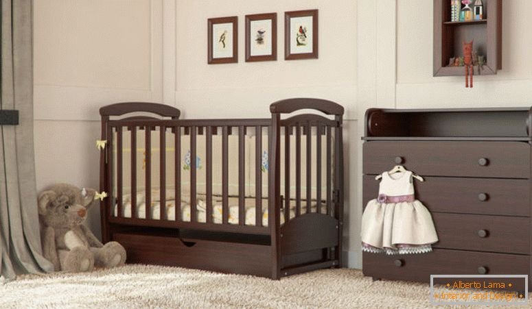 Cot for babies under four years old