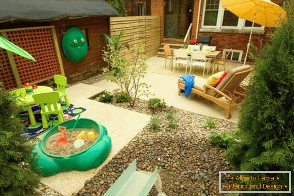 playground-in-the-garden
