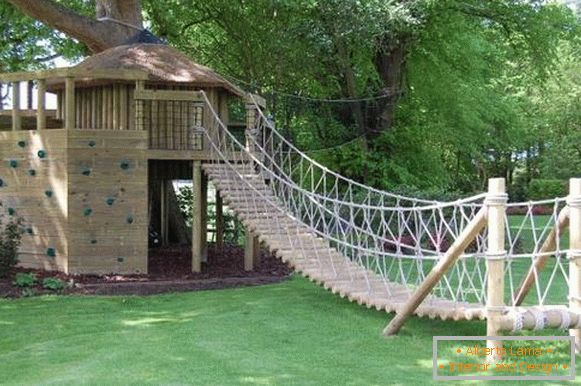 pendant-bridge-child-house