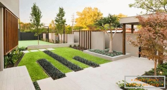 На фото 12: Landscaping yard design