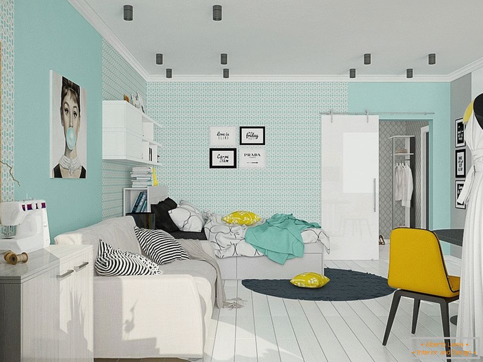 The combination of turquoise and yellow in the interior