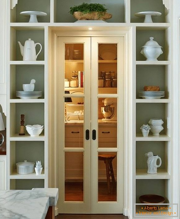 Sliding doors to the pantry - photo design
