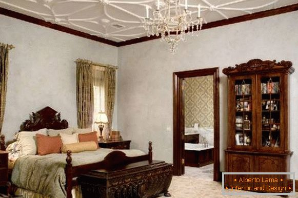 Ceiling with stucco in the bedroom