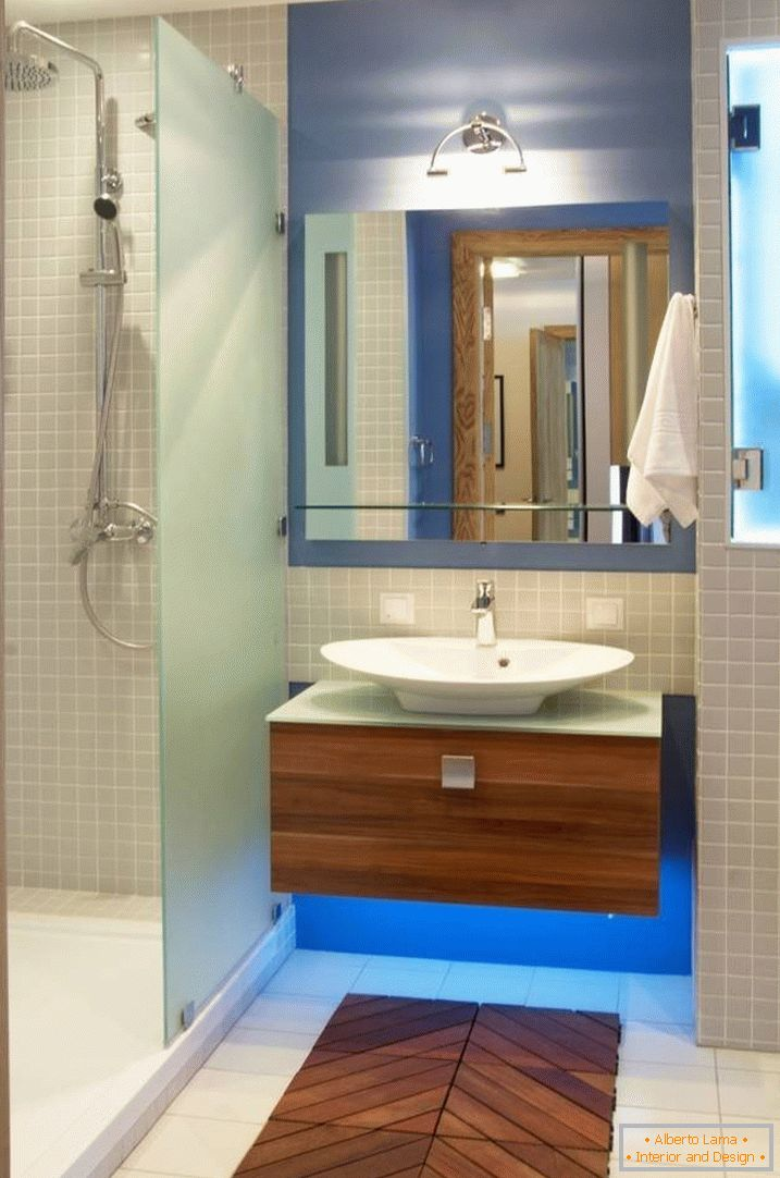 Decorative wooden substrate in the bathroom