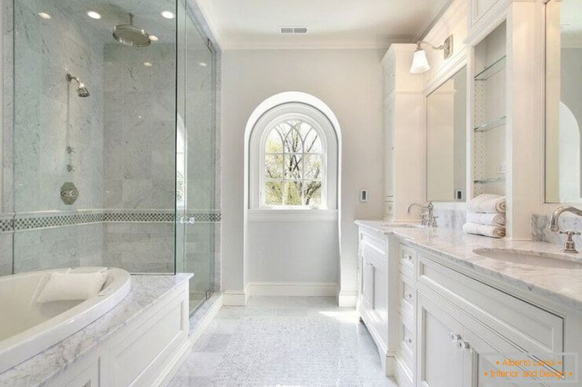 Cozy bathroom in a light decor