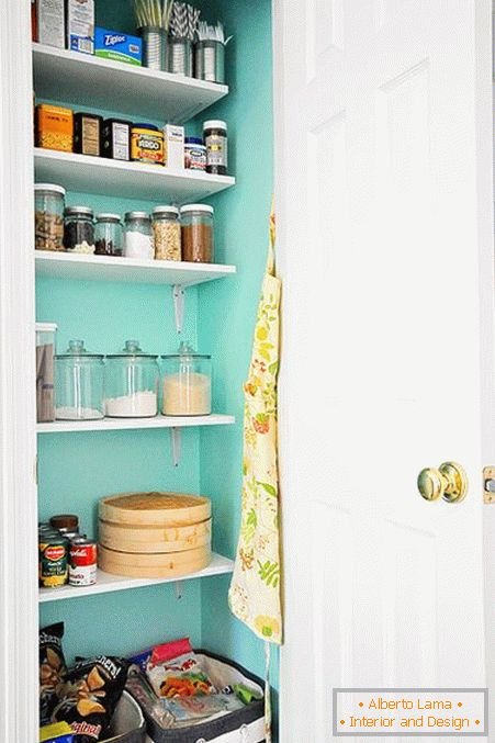 Turquoise wall in the pantry