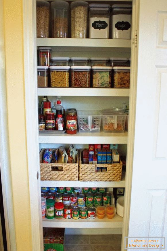 Containers for bulk in the pantry