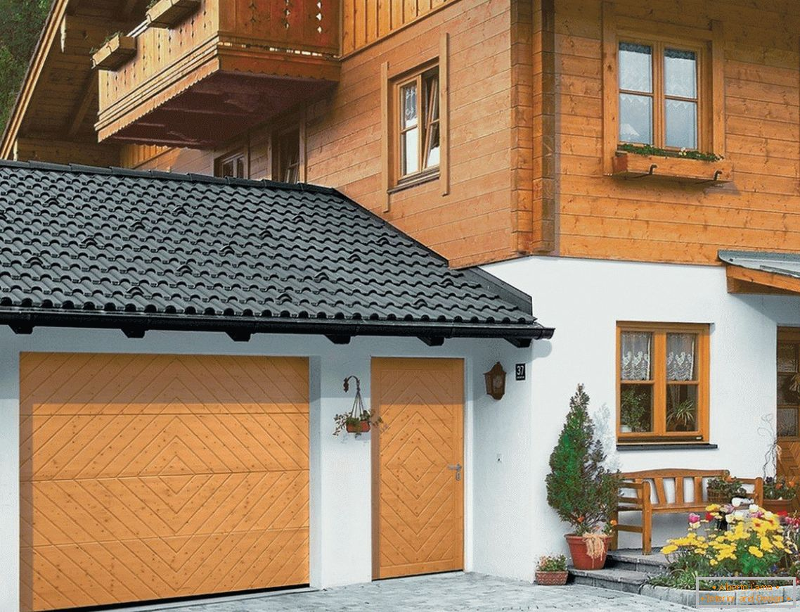 Garage-Outbuilding