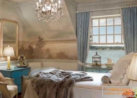 Bedroom with a beautiful decor on the windowsill