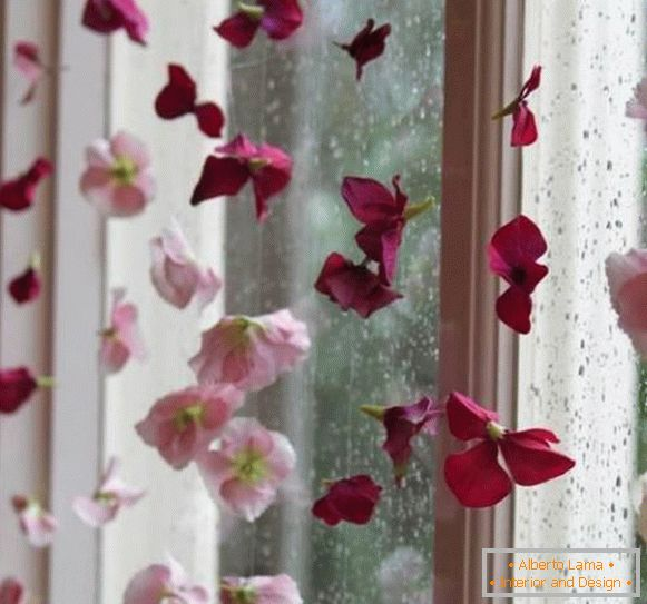 Window decoration with artificial flowers