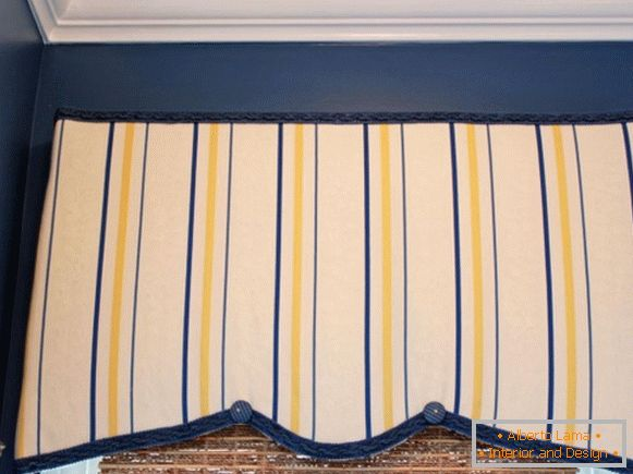 Cornice of cloth with their own hands
