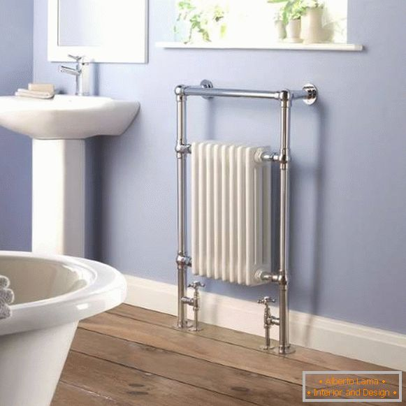 Outdoor stainless steel heated towel rail