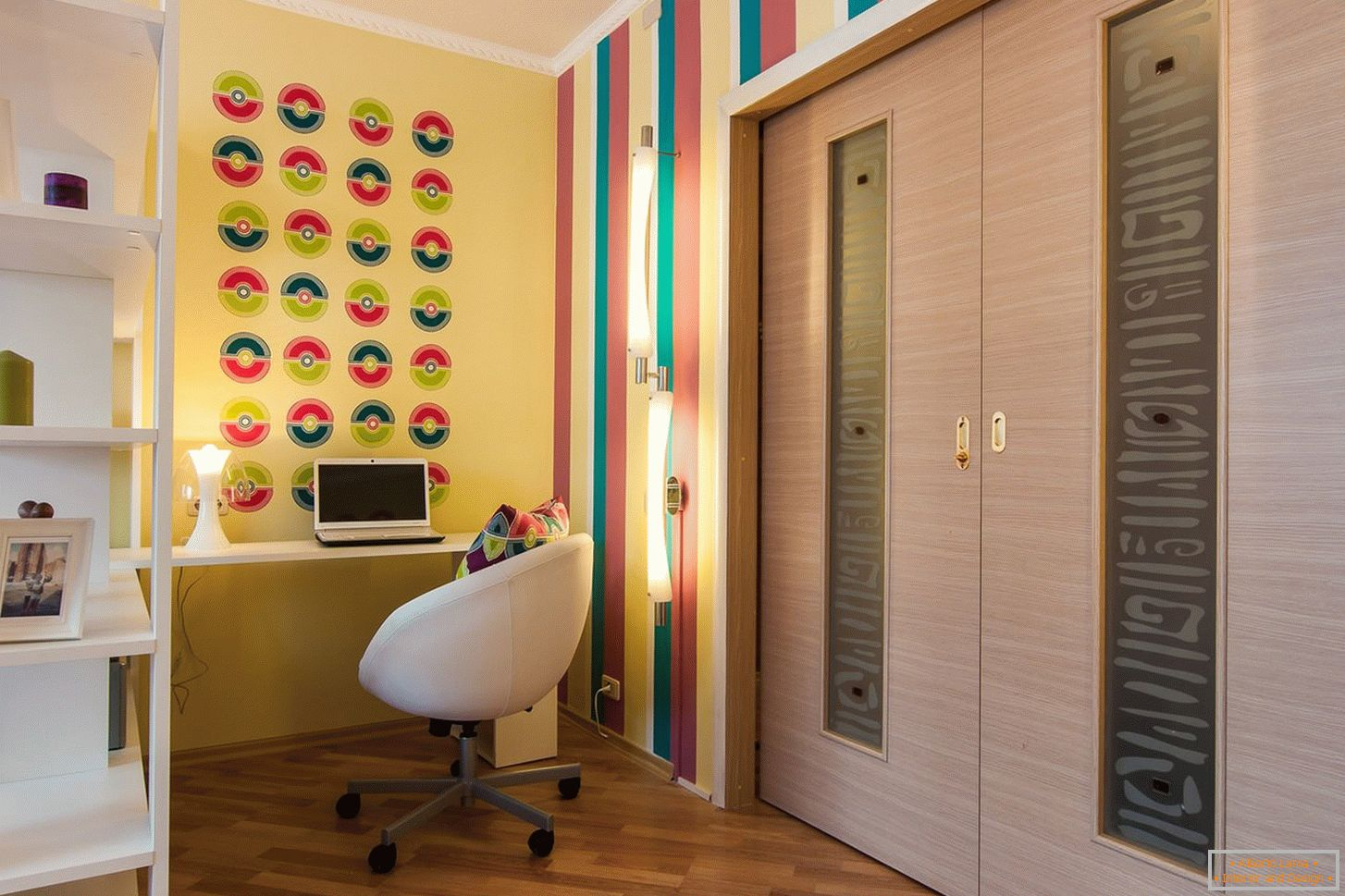 Bright colors in the living room design
