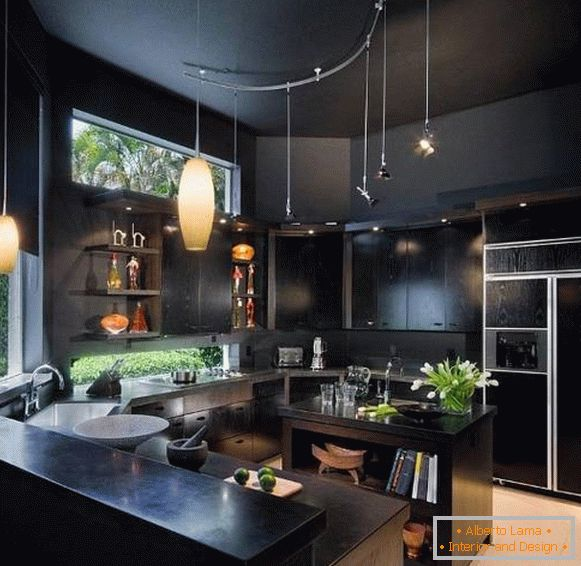 Black walls and ceiling in the kitchen