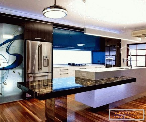 Bold modern kitchen design