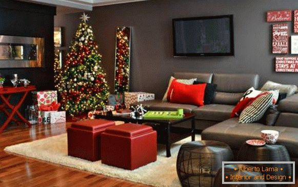 New Year's interior of the apartment with green and red decorations