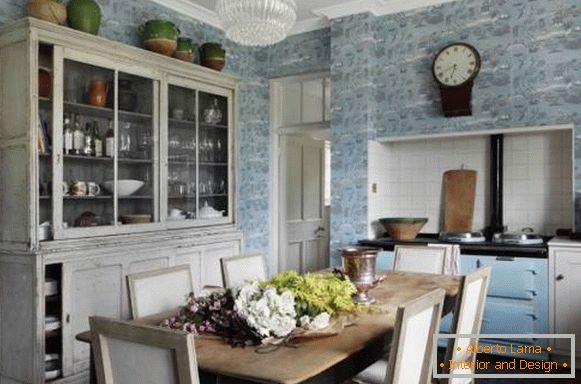 Vintage kitchen in rustic style - photo with cupboard and wallpaper