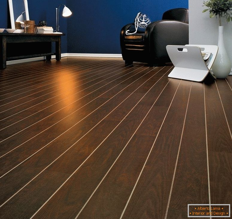 Laminate with a clear contour