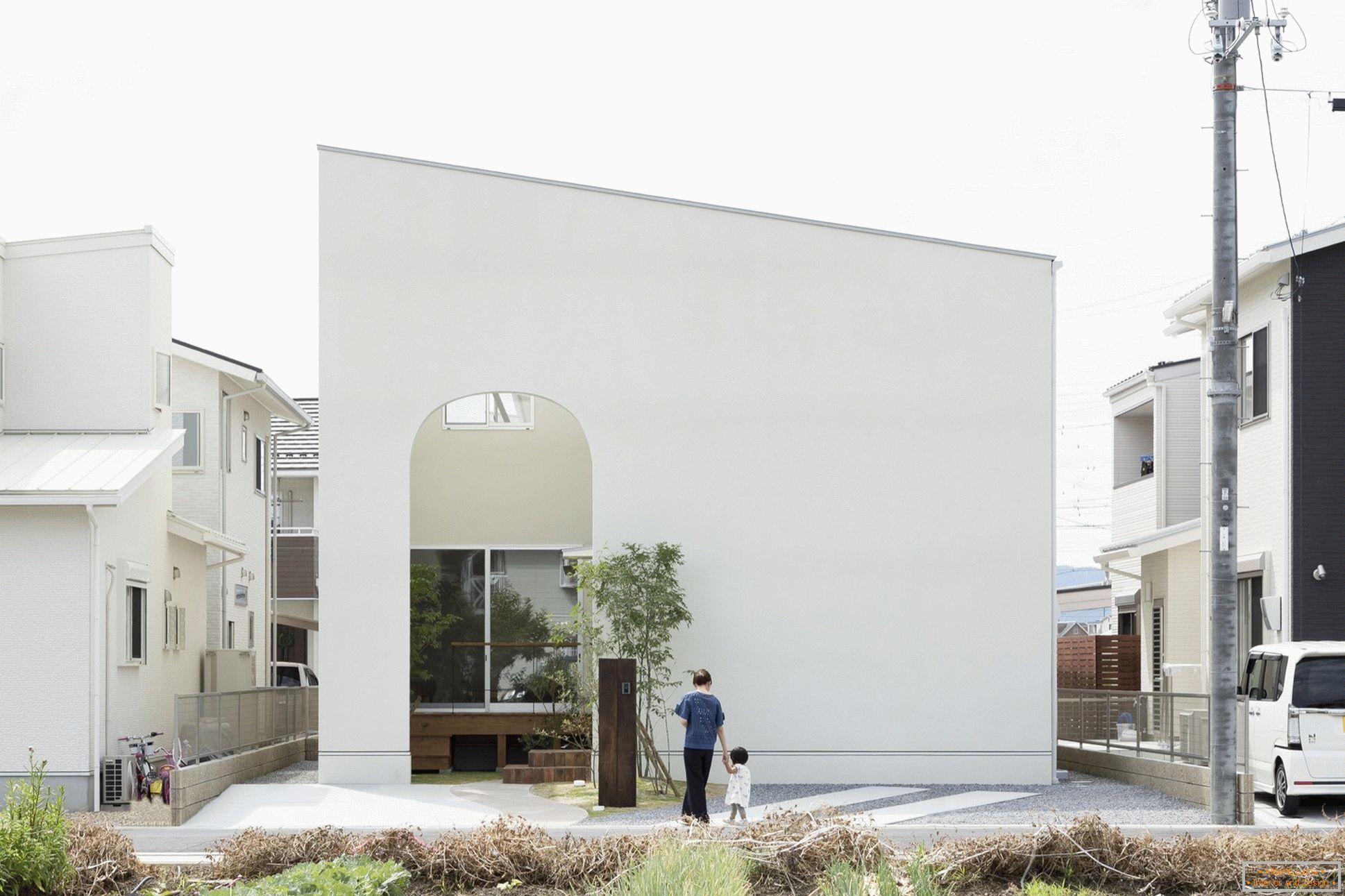 Small house with arches in Japan