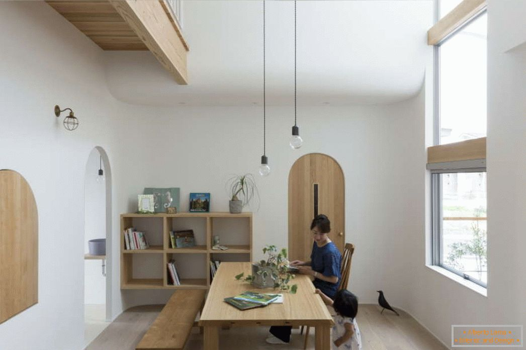 Small house with arches and high ceilings