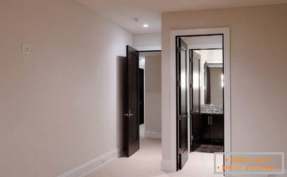 How to combine doors and floors in the interior - photo