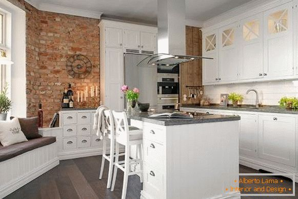 Fashion trends in kitchen design 2017 - kitchen with island in loft style