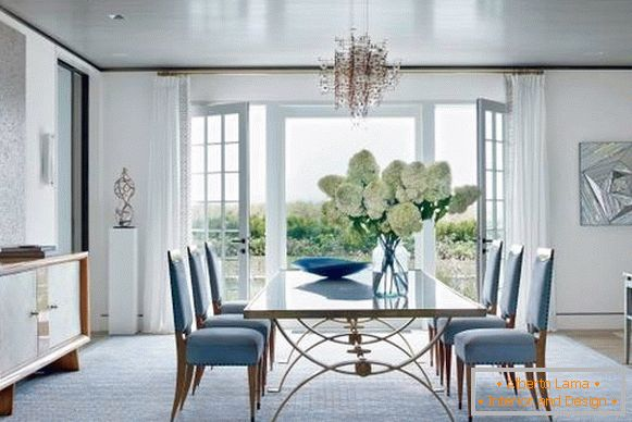Fashionable colors in the interior of 2017 - a blue tint of Niagara