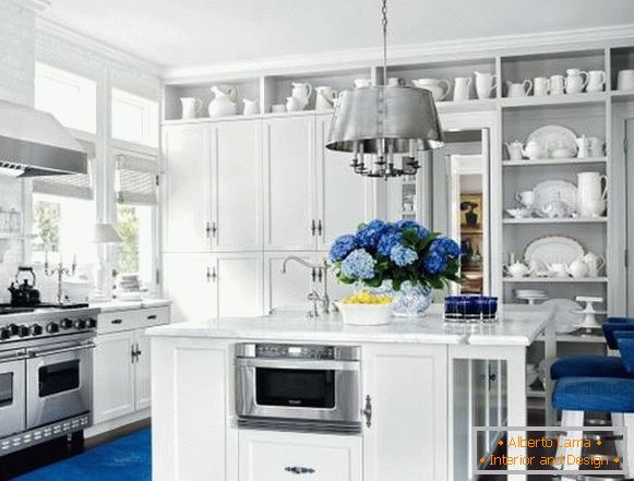 Fashionable blue in the interior of the kitchen