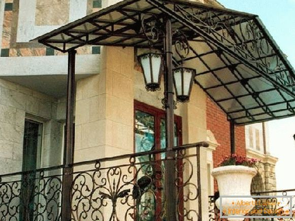 Canopies made of polycarbonate over the porch of a private house, фото 5