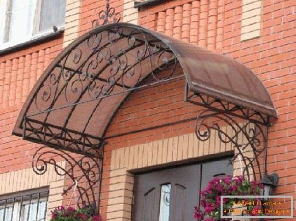 Awnings from polycarbonate on the porch of a private house, photo 8